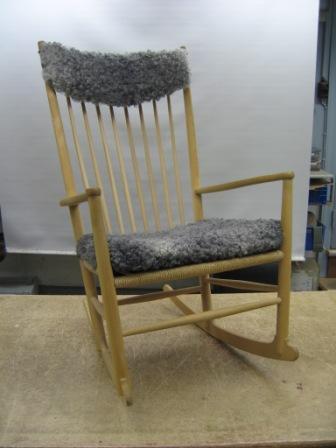 KC Møbler - gyngestole og rokkestole ombetrækkes og istandsættes