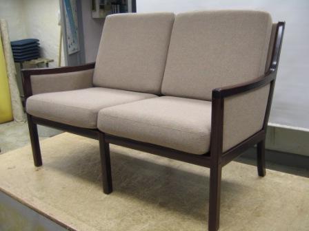 kc m bler vi ombetr kker alle typer sofaer b de arkitekttegnede de nye de gammeldags og de. Black Bedroom Furniture Sets. Home Design Ideas