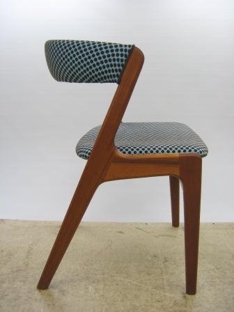 Teak spisebordsstol med rund ryg ombetrukket med stof Point fv. 522 ...