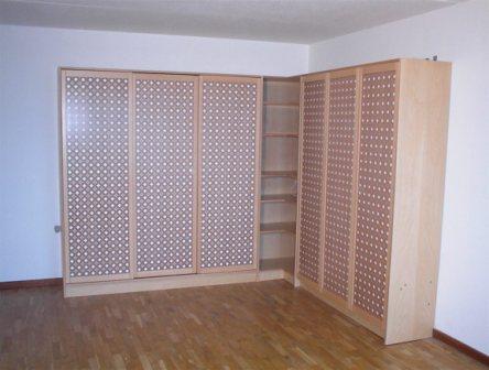 hjørne garderobeskab KC Møbler   skabe og reoler fremstilles efter opgave. hjørne garderobeskab