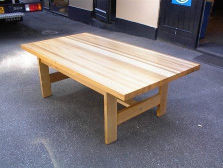 KC Møbler - borde efter opgave + borde renoveres